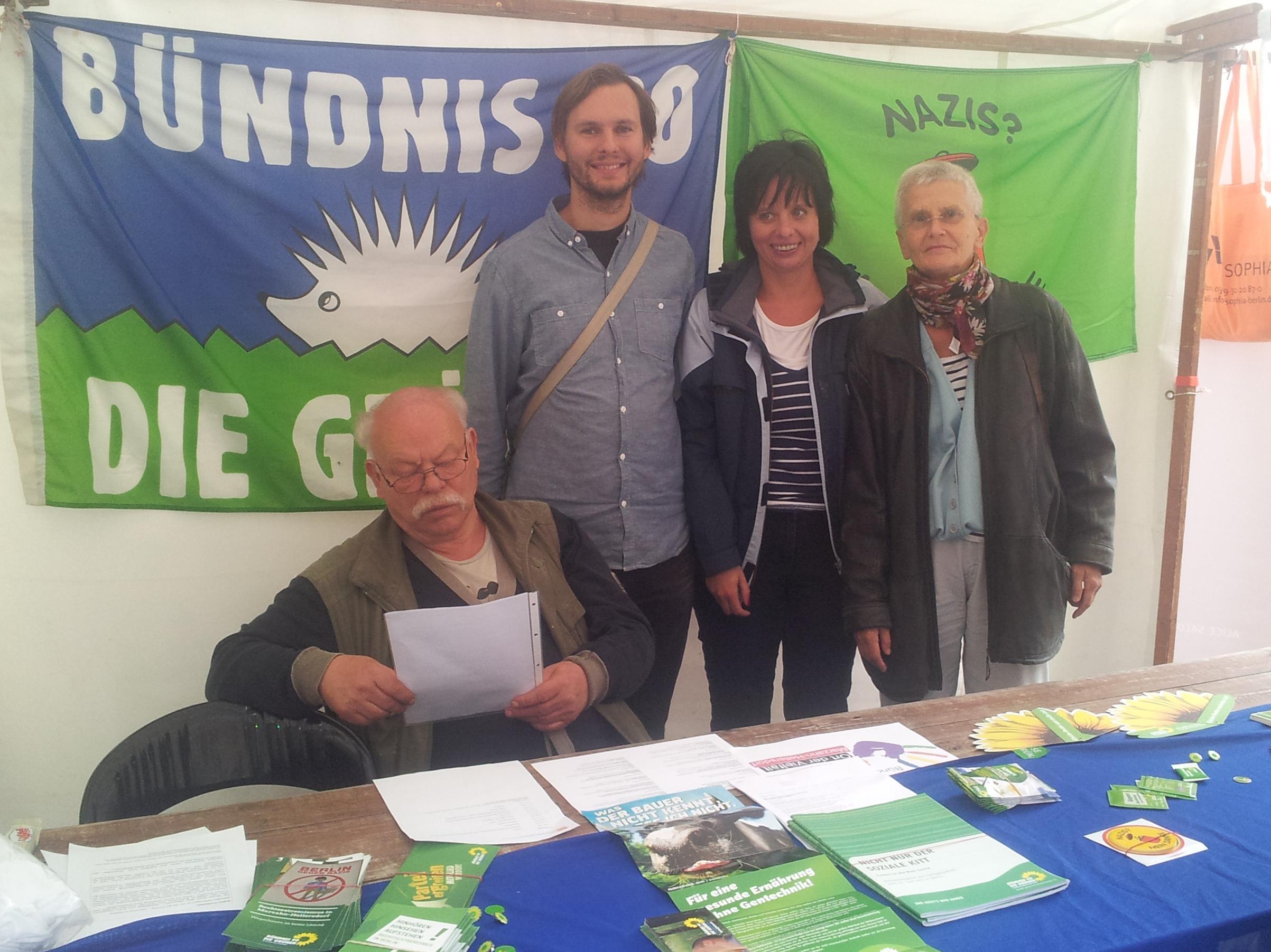 Bündnisgrüner Infostand bei Schöner Leben ohne Nazis 2015 in Hellersdorf