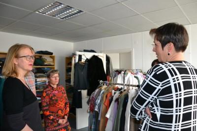 Bezirkstag Marzahn-Hellersdorf – Die Kleiderkammer sammelt Spenden für Geflüchtete und andere Hilfebedürftige
