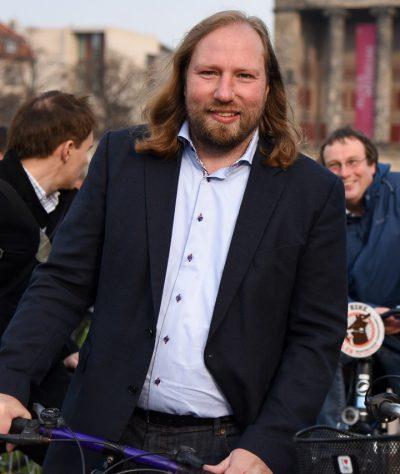 20160415_toni-auf-dem-fahrrad_1
